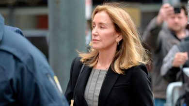 Felicity Huffman sentencing: Live updates - CNN